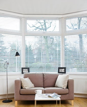 store venitien velux top store venitien bois ikea prix montreuil table phenomenal store. Black Bedroom Furniture Sets. Home Design Ideas